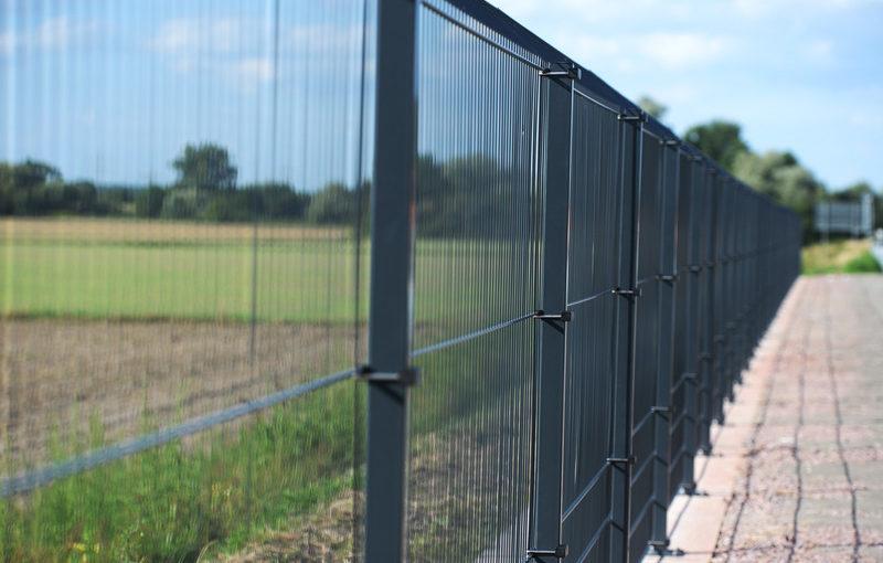Betafence aizsargā A5 ceļu no savvaļas dzīvniekiem
